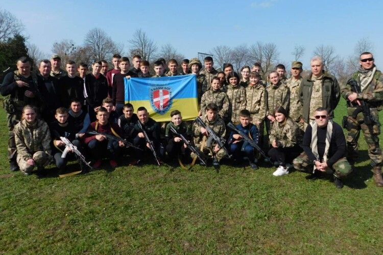 На Волині школярів учили відбивати атаки путінської армії (Фоторепортаж)