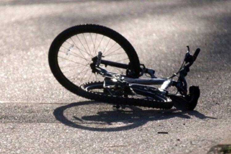 У місті на Волині автомобіль збив дитину, хлопчик – у реанімації