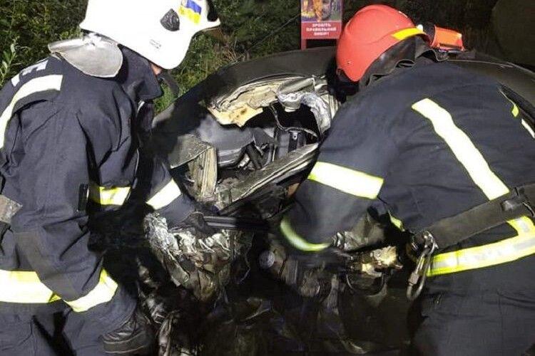 Смертельна аварія на трасі «Київ-Ковель-Ягодин»:  «Ланос» врізався у фуру (Фото)