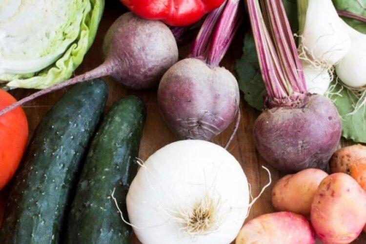 «Невдовзі перетвориться на страву олігархів»: в Україні карколомно дорожчають овочі борщового набору