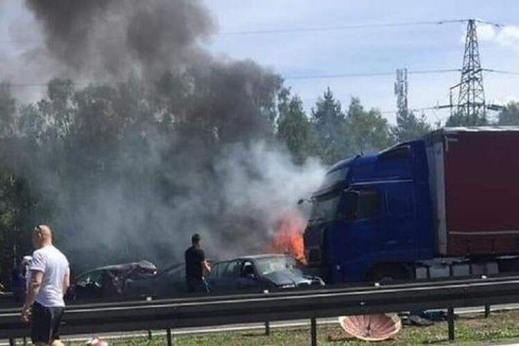 Жахлива ДТП у Польщі: 6 загиблих. Українець рятував постраждалих
