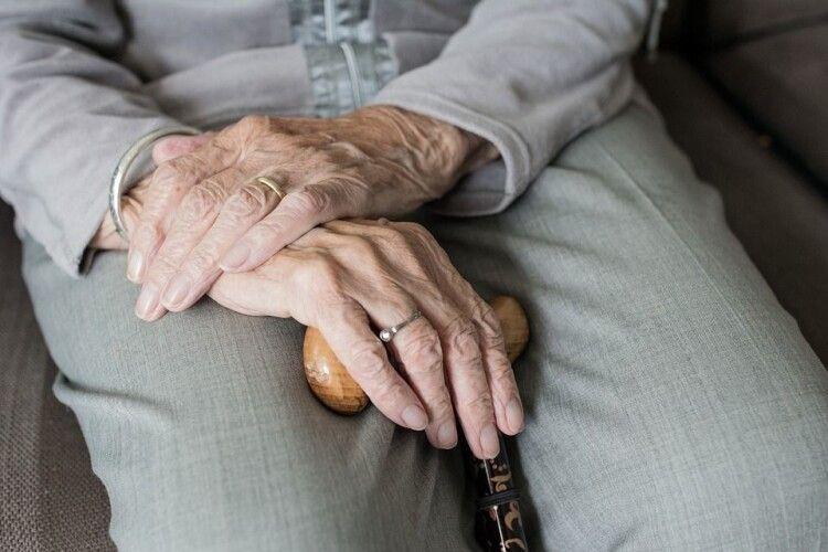 В Україні скоро підвищать пенсійний, а за кілька років для деяких його зовсім скасують