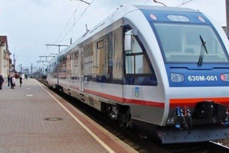 На Волині відновили рух 5 приміських поїздів