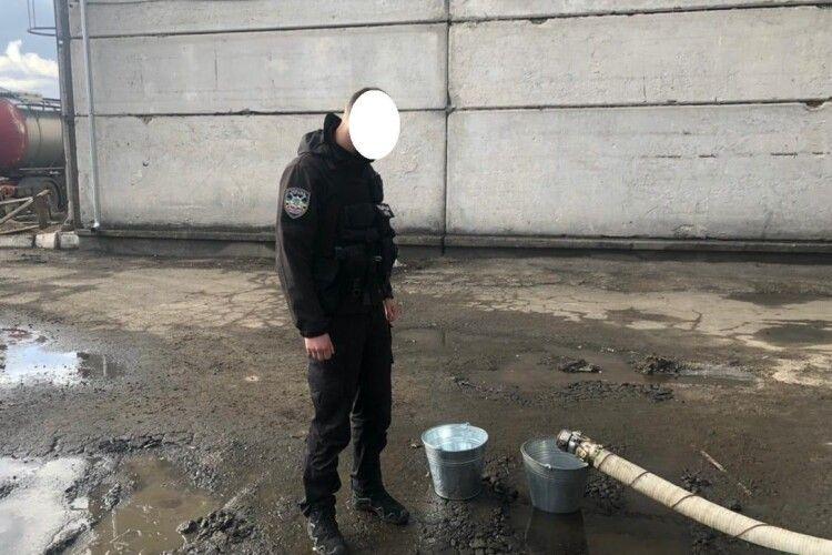 На Рівненщині завод незаконно виробляв близько 20 тисячлітрів спирту на добу (Фото)