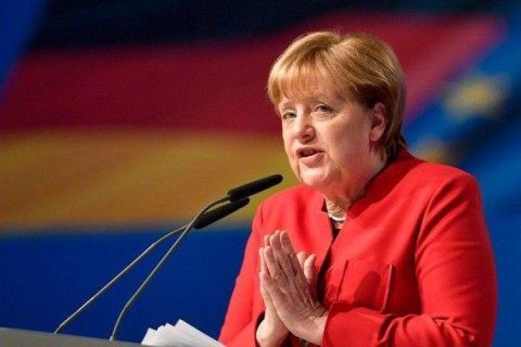 У Бундестазі проходить голосування за кандидатуру Меркель на посаду канцлерки