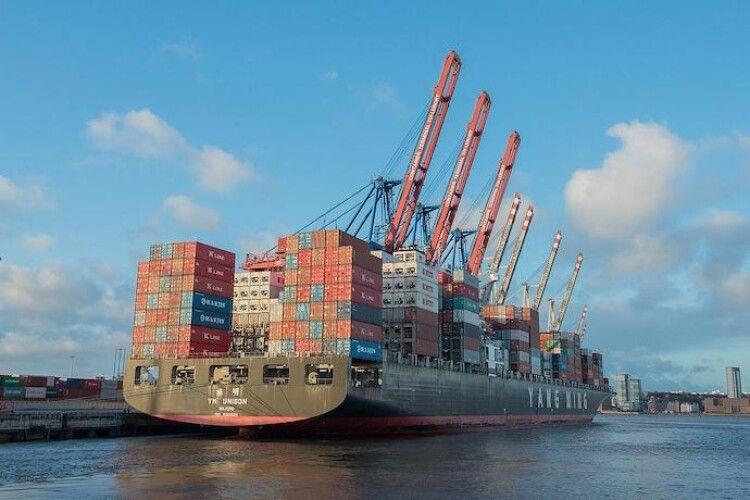 Чверть усіх товарів на ринку України є «сірим імпортом»