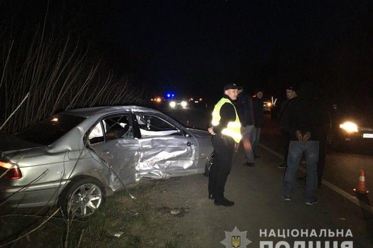 Стрілянина на Рівненщині: порушник протаранив дві поліцейські автівки (Відео)