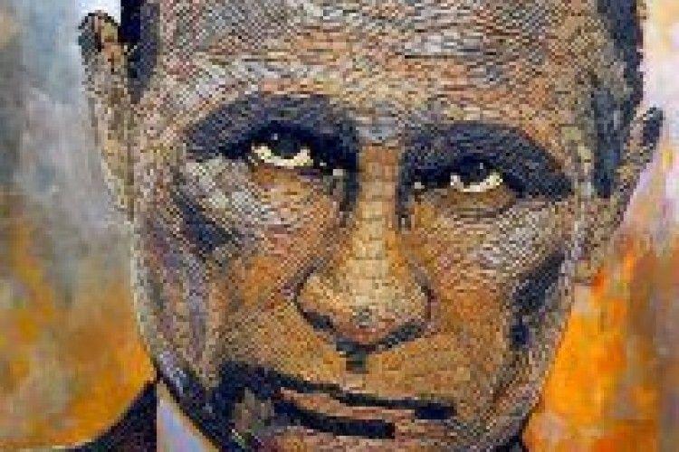 «Нагадує про жахи війни»: у Нью-Йорку на виставці представили гільзовий портрет Путіна