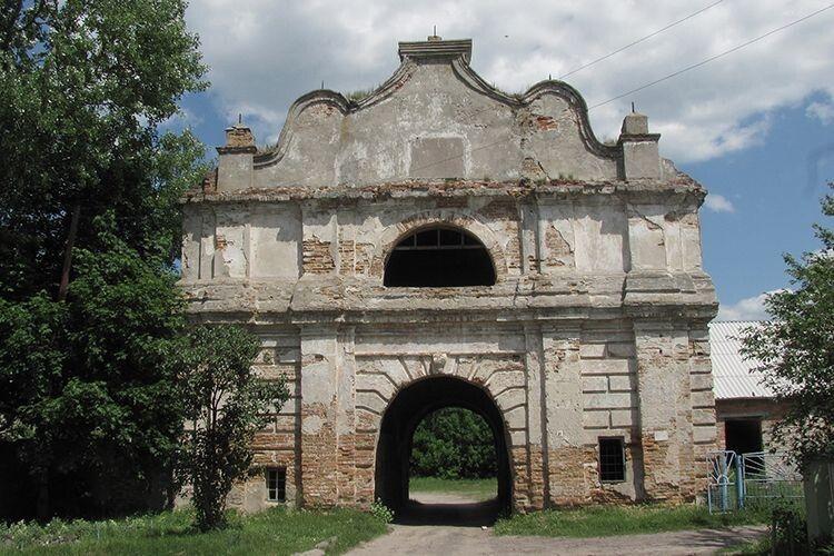 Любешівські маєтки поділили на вісім частин