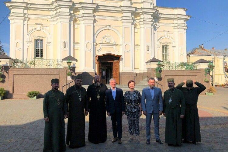 Навіщо волинський митрополит зустрічався з послом Литви?