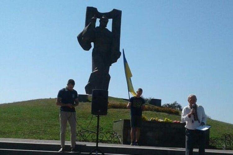 Пам'ятник Кобзарю у Ковелі не потрапив до Книги рекордів України