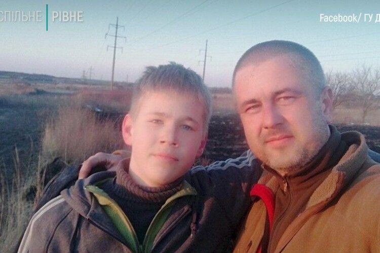У Рівному батько з сином взялись гасити сухостій, очікуючи пожежників