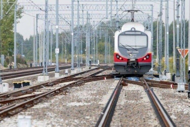 Польща планує відновити залізничне сполучення з Україною