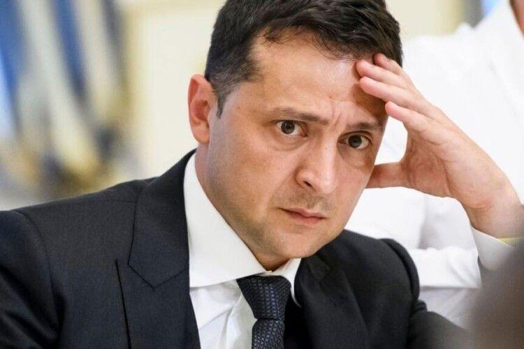 Зеленського просять присвоїти самому собі почесне звання «Заслужений діяч мистецтв України»
