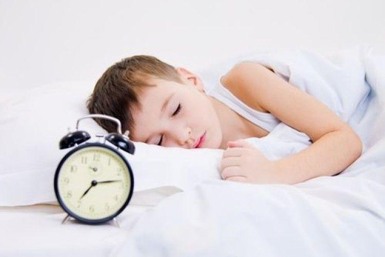 Як полегшити ранковий підйом дитини?