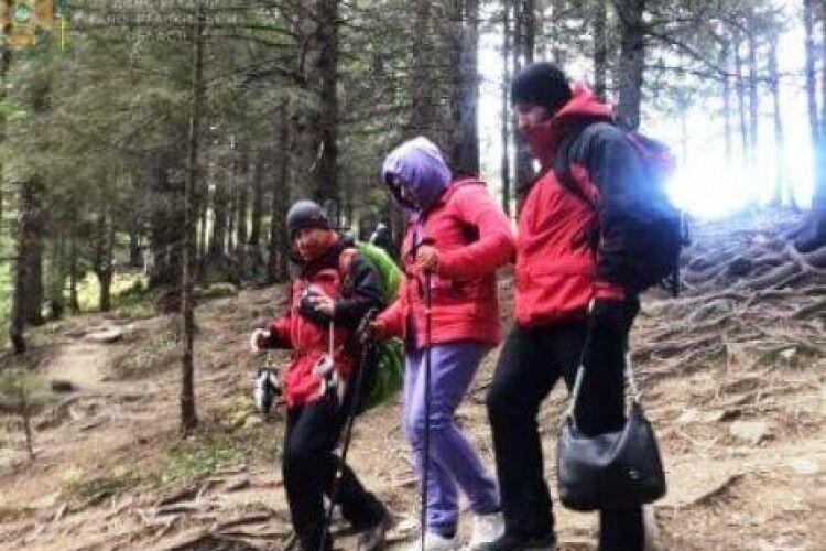 У Карпатах рятувальники «спускали» з Говерли туристку з Луцька