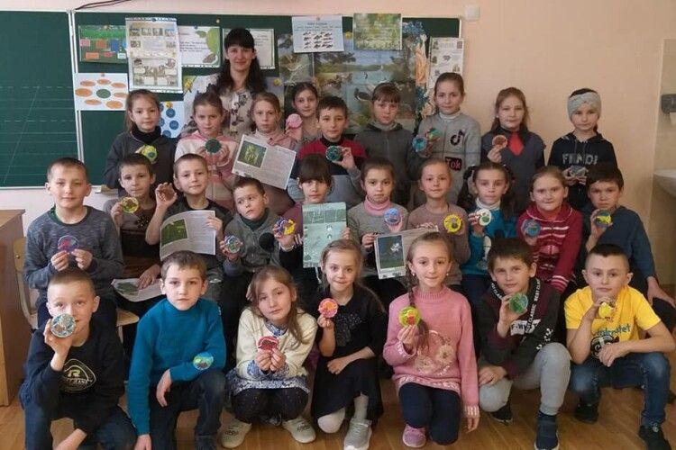 У Гірках на Любешівщині молодші школярі вчилися любити матінку-природу (Фото)
