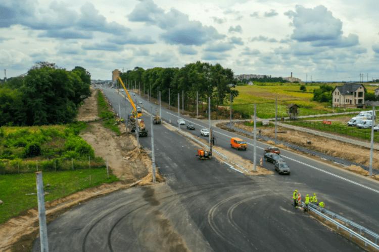 На оновленій трасі Рівне-Луцьк відкрили рух 4 смугами транспорту