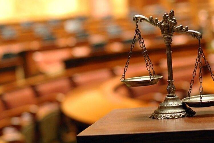 Прокуратура Херсонщини повідомила про підозру у вбивстві 17-річній породіллі