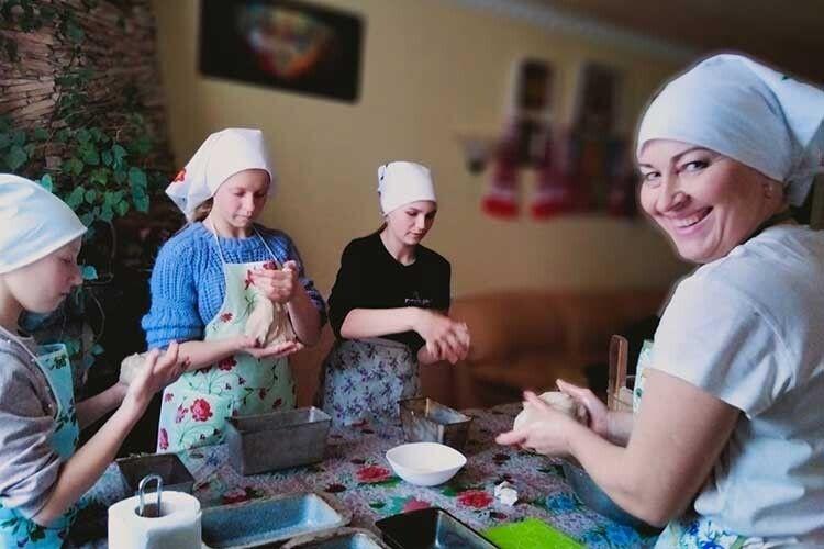 Насущний буханець ізВолинського Полісся мандрує Україною