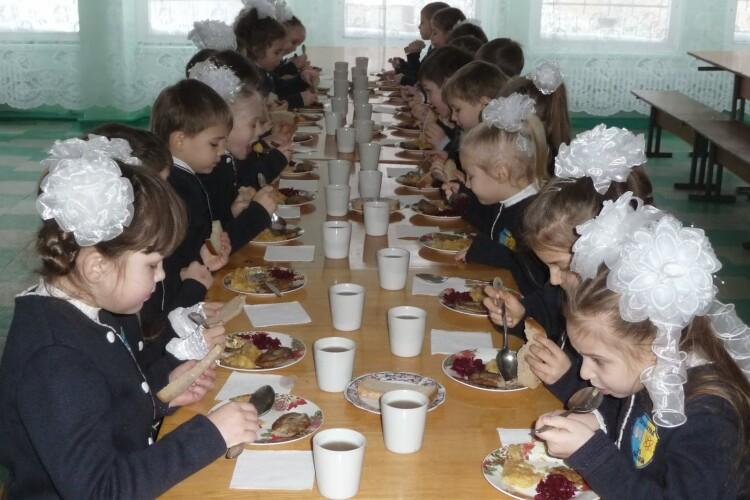 Які категорії дітей харчуватимуться в луцьких школах безплатно