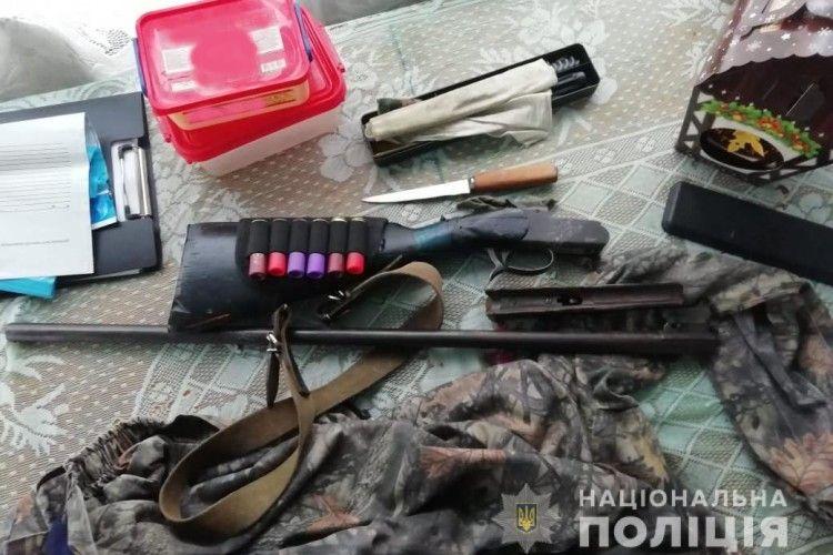 У жителя Маневиччини поліція вилучила зброю та боєприпаси (Фото)