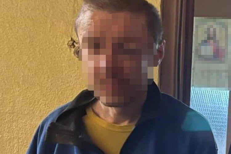 У Києві алконавт викинув з вікна квартири на сьомому поверсі кішку та чотирьох кошенят