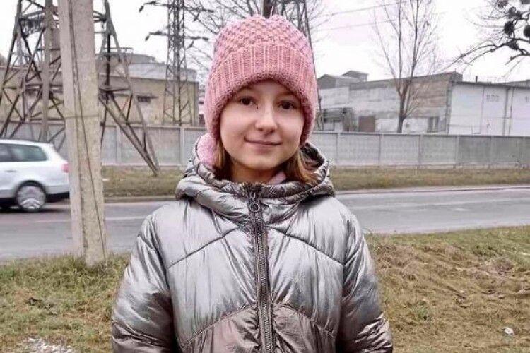 У Здолбунові на Рівненщині дівчинка пожертвувала притулку для тварин наколядовані 200 гривень