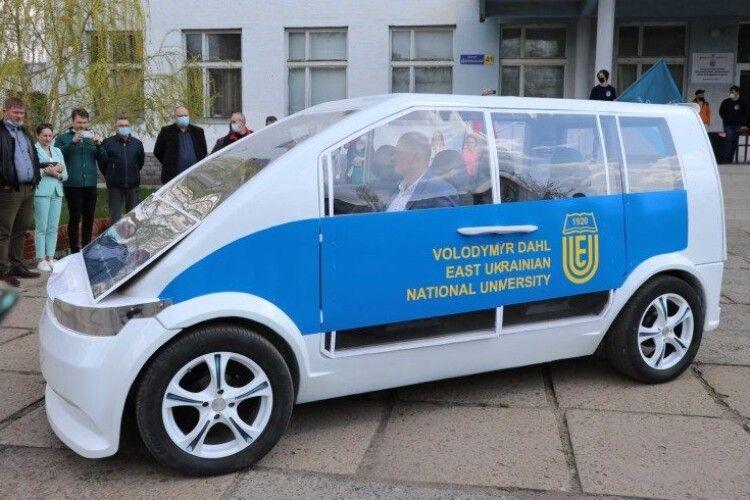 В Україні презентували власний електрокар (Фото)