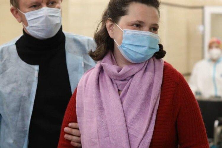 Лікарі врятували багатодітну матір, яка через коронавірус мала на 90% уражені легені