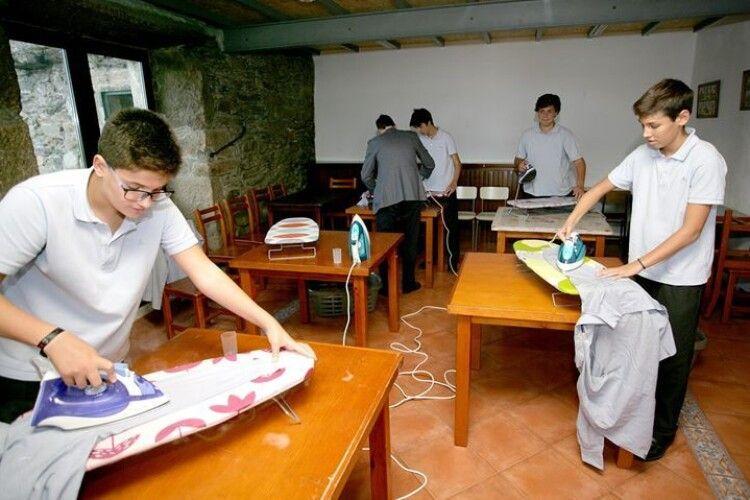 Іспанська школа ввела предмет з домашнього господарювання для хлопчиків