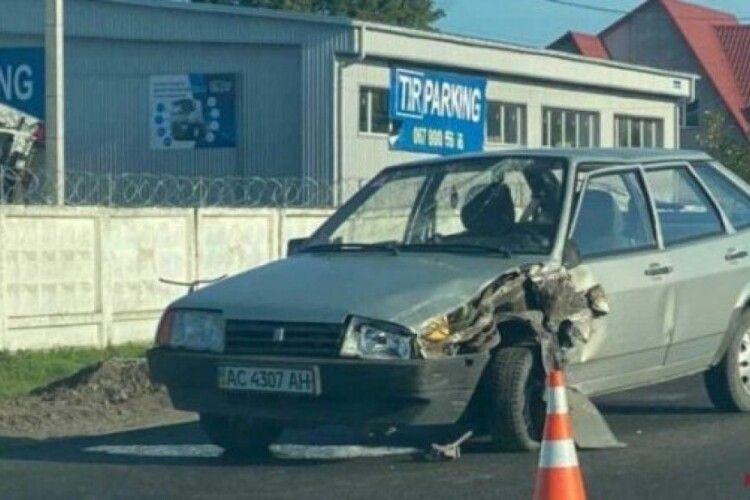 У Луцьку – ДТП: у легковика розбите лобове скло (Фото)