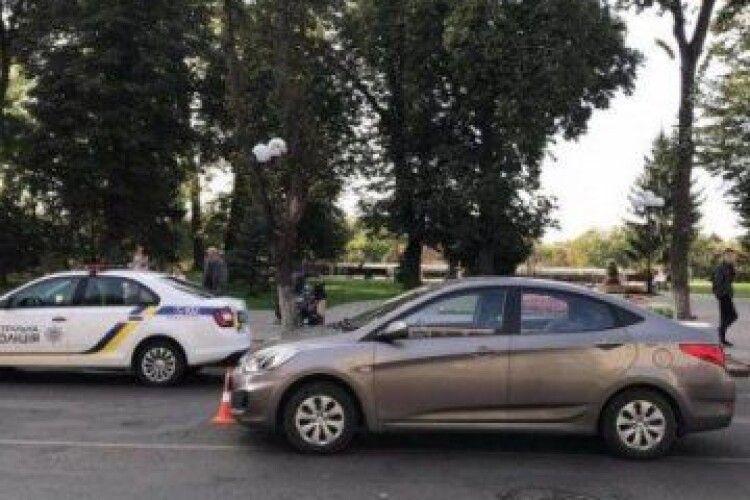 У Луцьку біля гімназії на пішохідному переході збили двох дітей