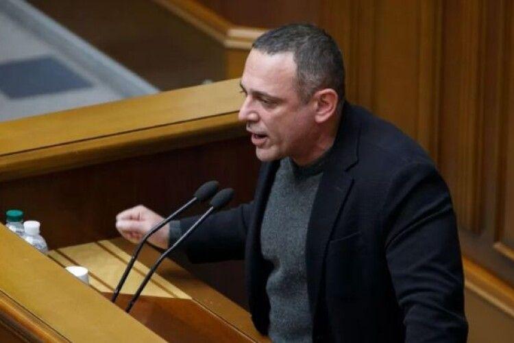 Українофоб Бужанський і ще майже 30 соратників Зеленського пропонують скасувати штрафи за відмову обслуговувати українською