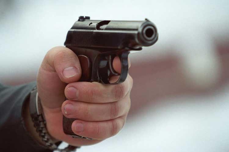 Утікач «під кайфом» стріляв управоохоронців