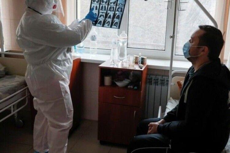Карантин не допоможе: лікар назвав спосіб зупинити епідемію коронавірусу в Україні