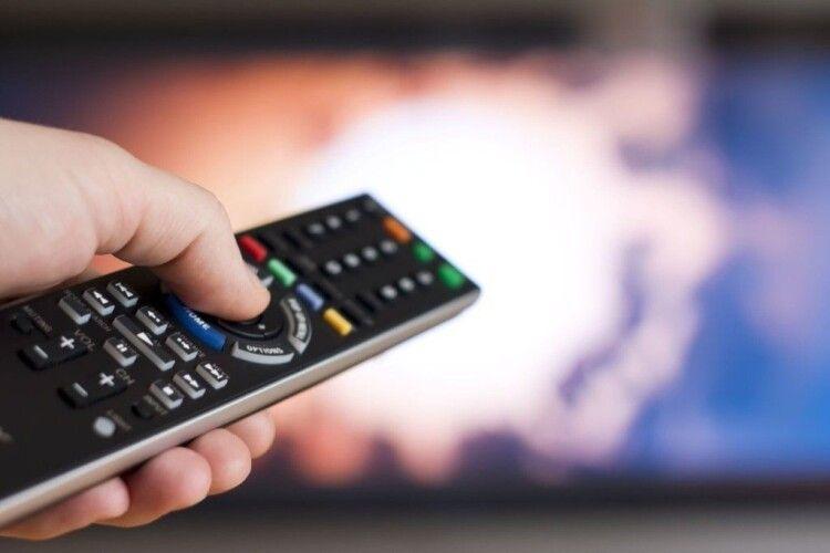 Пенсіонер з Рівненщини нелегально ретранслював телеканали