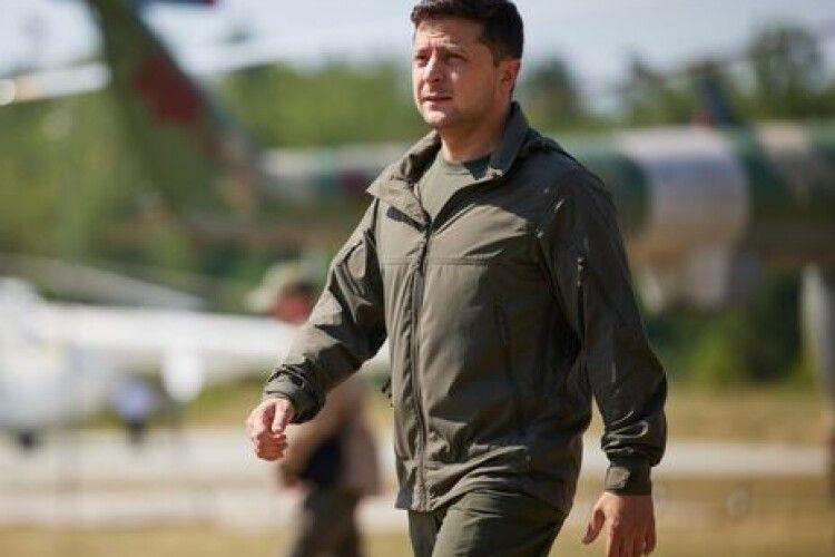 Зеленський помилував 31 засудженого ветерана війни на Донбасі. Про що йдеться