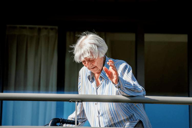 107-річна пацієнтка стала найстаршою людиною в світі, яка вилікувалася від коронавірусу