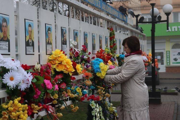 У Володимирі-Волинському вшанували пам'ять українських жертв окупаційних режимів