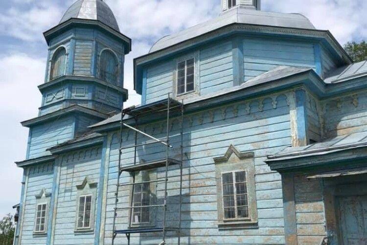 Волинян закликають долучитися до відновлення дерев'яного храму початку ХVII століття у Доросинях (Фото)