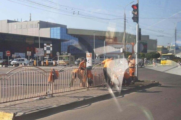 У Луцьку між проспектами ускладнений рух транспорту (фото)