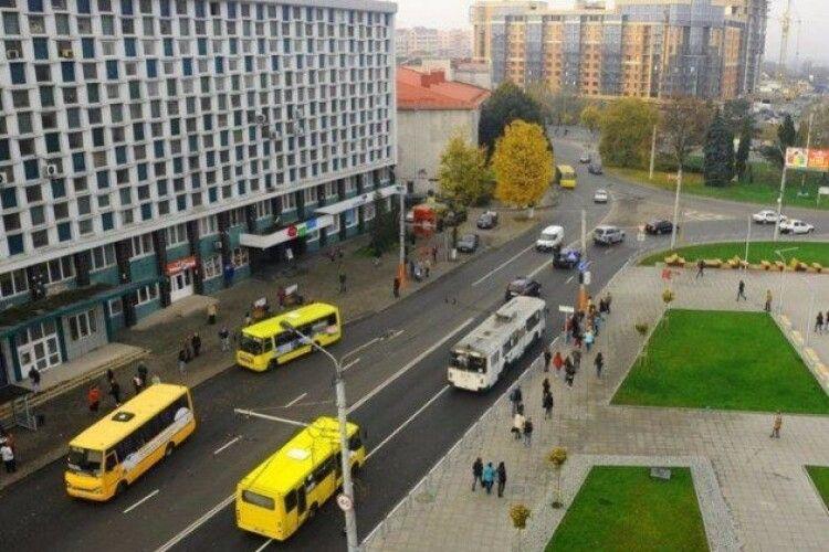 У Луцьку пішоходів і водіїв очікують зміни в організації дорожнього руху