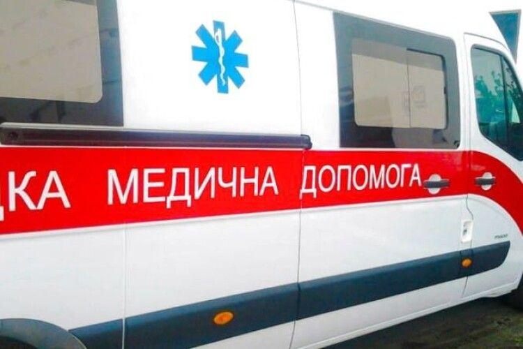 Горохівчанин так часто викликав «швидку», що медикам довелося звернутися у поліцію