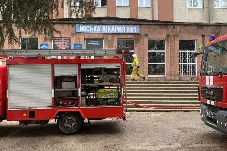 У Чернівцях стався вибух в лікарні, у якій лікують хворих на коронавірус: загинула людина