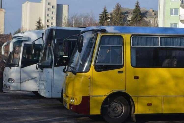 У волинські села неходять автобуси: хто має вирішувати проблему?