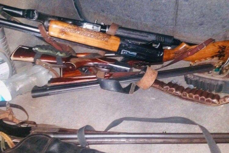 Затримали браконьєрів, які вбили самця козулі (Фото 18+)