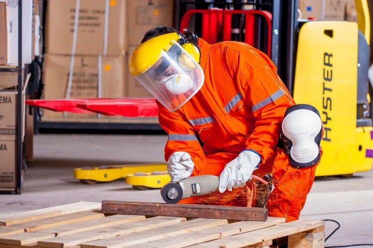 Як не травмуватись під час ремонту?