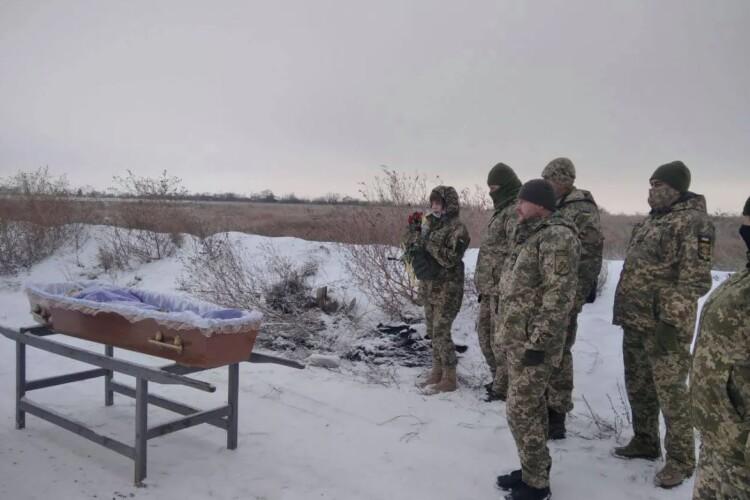Маленький син залишився сиротою: на Донбасі трагічно загинула молода військова