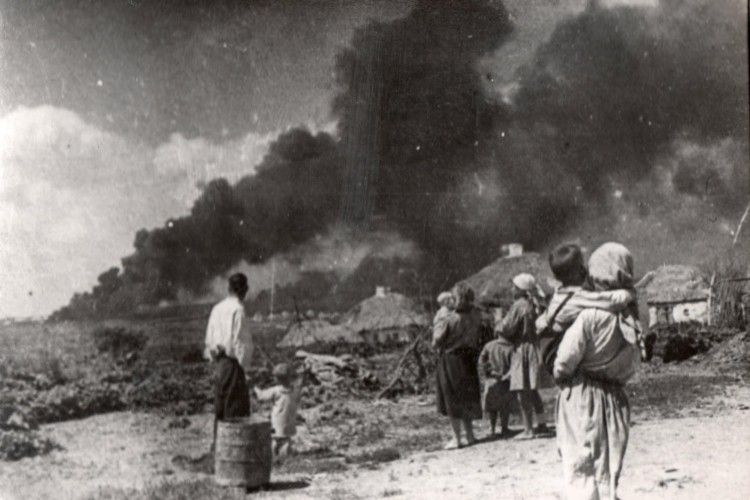 Нацисти спалили Малин дотла